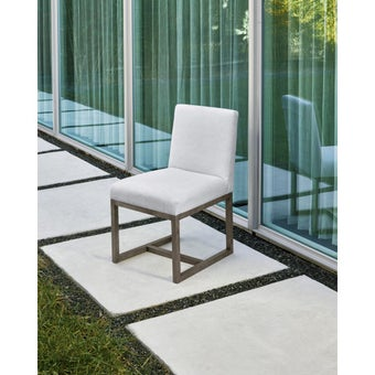 19134611-642738-furniture-dining-room-chairs-31