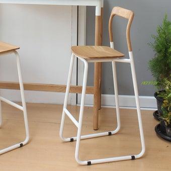 เก้าอี้สั่งทำ รุ่น Pokky สีไม้อ่อน2