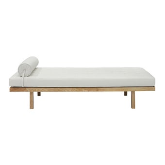 19172355-eyre-mattress-bedding-living-room-daybed-01