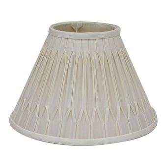 โคมไฟ โป๊ะโคมไฟ รุ่น Luxury สีสีครีม-SB Design Square