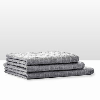 39013409-bathroom-bath-linens-towel-31