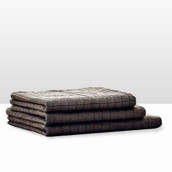 39013413-bathroom-bath-linens-towel-31