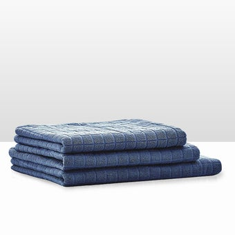 39013415-bathroom-bath-linens-towel-31