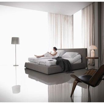 Omazz เตียงปรับระดับไฟฟ้า Adjusto SET E ADJUSTO II + SOMERSET I ขนาด 5 ฟุต จำนวน 1 หลัง แถมชุดเครื่องนอน 8 รายการ