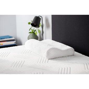 39015185-mattress-bedding-pillows-bed-pillows-31