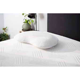 39015187-mattress-bedding-pillows-bed-pillows-31